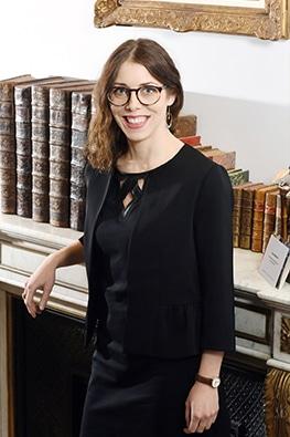 Hélène DE MESNARD